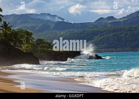 Surf at the Samana peninsula, Dominican republic - Stock Photo