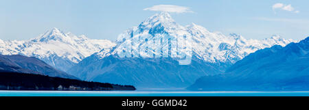 Mount Cook seen from Lake Pukaki, Hwy 8. South Island, New Zealand - Stock Photo