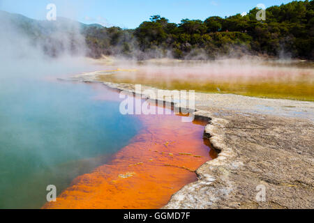 Champagne Pool, Thermal Wonderland, Wai-O-Tapu, Rotorua. North Island, New Zealand - Stock Photo
