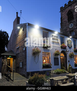 Parr Arms Pub,Grappenhall Village,Warrington,Cheshire,England, UK at night - Stock Photo