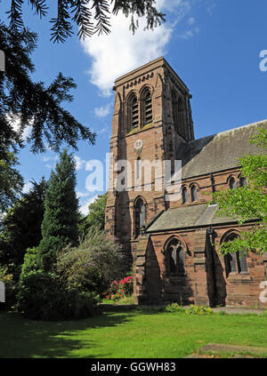 St Matthew's Church in the village of Stretton, Cheshire, England, UK - Stock Photo