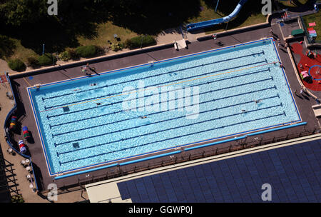 aerial view of Banbury swimming pool lido, Oxfordshire, UK - Stock Photo
