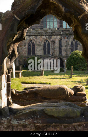UK, England, Cheshire, Astbury, St Mary's Church, ancient Venables family canopied tomb in Churchyard - Stock Photo