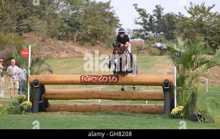 Rio de Janeiro, Brazil. 8th August, 2016. Fence 5. Tim Price (NZL) riding RINGWOOD SKY BOY. Equestrian Eventing - Stock Photo
