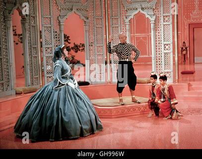 DER KÖNIG UND ICH / The King and I USA 1956 WALTer Lang Szene mit DEBORAH KERR (Anna), YUL BRYNNER (King Mongkut - Stock Photo