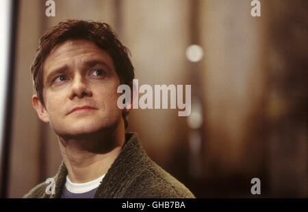 PER ANHALTER DURCH DIE GALAXIS Hitchhikers Guide to Galaxy USA/UK 2005 Garth Jennings Arthur (MARTIN FREEMAN) in - Stock Photo