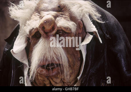 PER ANHALTER DURCH DIE GALAXIS The Hitchhikers Guide to the Galaxy USA/UK 2005 Garth Jennings A Vogon from a scene - Stock Photo