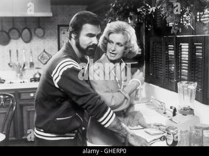 ... THE END USA 1978 Burt Reynolds Kitchen Scene: Invading The Neat Kitchen  Of His Ex