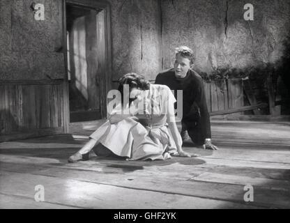 WIE IN EINEM SPIEGEL Sasom i en spegel Schweden 1961 Ingmar Bergman HARRIET ANDERSSON (Karin), LARS PASSGARD (Fredrik/Minus) - Stock Photo