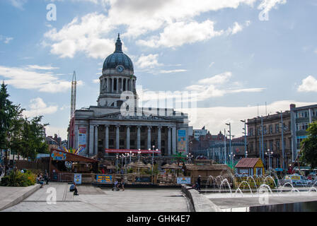 Nottingham City Centre - Summer activities - Inland Beach situated outside the town hall - Stock Photo