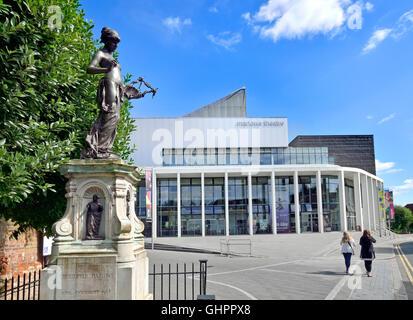 Canterbury, Kent, UK. Marlow Theatre (1984; rebuilt 2011) in The Friars. Christopher Marlow memorial (left) - Stock Photo