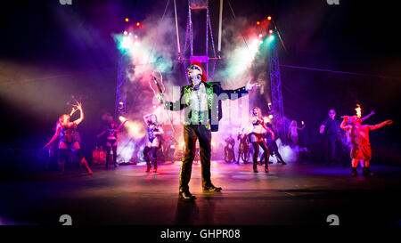 Circus of Horrors cast: Sword swallower Hannibal Helmurto heading a cast portrait at the O2 Arena. - Stock Photo