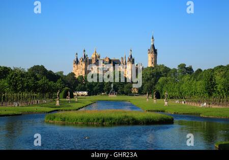 Castle and castle park, Schwerin, Mecklenburg Western Pomerania, Germany, Europe - Stock Photo