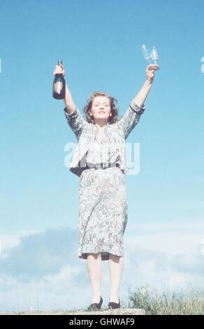 MEIN LINKER FUSS - Der schwerstbehinderte Christy Brown wird erst gefördert, als es ihm gelingt, mit seinem linken - Stock Photo