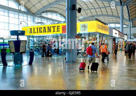 Gatwick South Terminal Shops >> Duty free shopping area, departure, O R Tambo ...