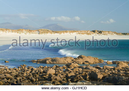 The white sandy beach of Culla Bay, Isle of Benbecula, Outer Hebrides, Scotland. - Stock Photo