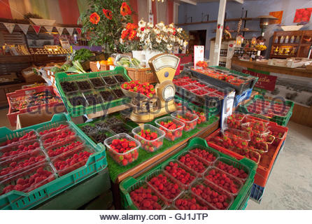 Various soft fruits for sale at the Strawberry Shop, near Scone, Perthshire, Scotland. - Stock Photo