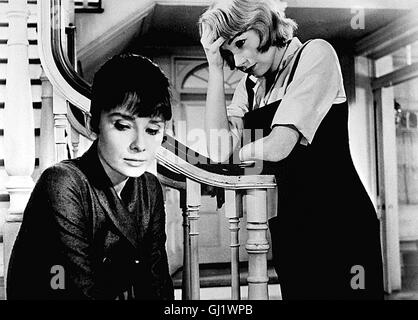 INFAM children's hour USA 1961 - William Wyler Die beiden jungen Lehrerinnen Karen Wright (AUDREY HEPBURN) und Martha - Stock Photo