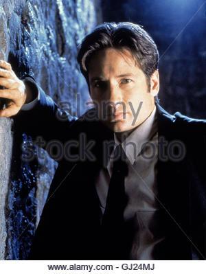 AKTE X - DIE UNHEIMLICHEN FÄLLE DES FBI Ein Sohn Außerirdischen ist es gelungen, eine Menschen-Hybriden zu züchten. - Stock Photo