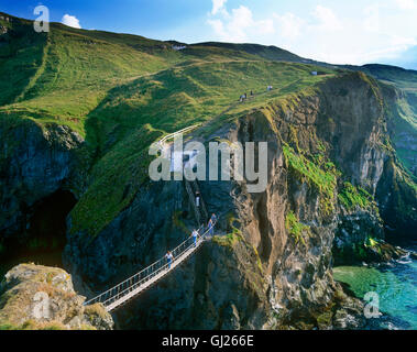 Carrck-a-Rede Rope Bridge, Antrim coast, County Antrim, Northern Ireland - Stock Photo