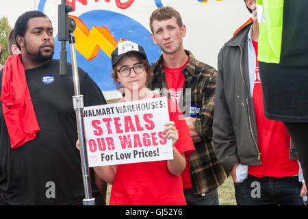 Elwood, Illinois - Oct. 1, 2012: Striking workers and supporters from the Walmart distribution center rally for - Stock Photo