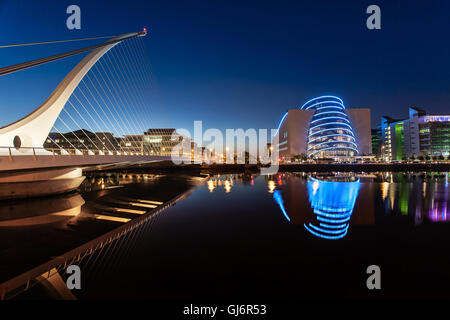 Modern Ireland, Samuel Beckett Bridge at Night - Stock Photo