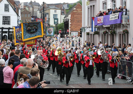 © Licensed to London News Pictures. 09/07/2016. Durham, UK. The procession of banners and bands make there way though - Stock Photo