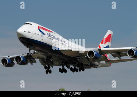 British Airways Boeing 747-400 four engine airliner, known as the jumbo jet, approaching London Heathrow after a - Stock Photo