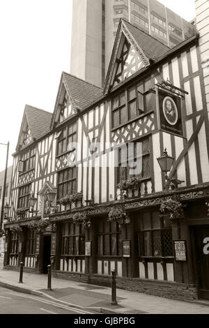 Sepia Shakespeare historic pub, 16 Fountain St, City Centre, Manchester M2 2AA - Stock Photo