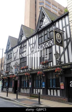 Shakespeare historic pub, 16 Fountain St, City Centre, Manchester M2 2AA - Stock Photo