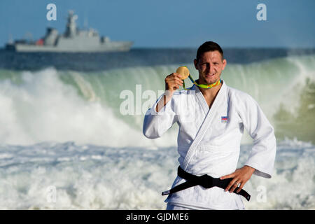 Rio De Janeiro, Brazil. 12th Aug, 2016. Gold medalist Lukas Krpalek of the Czech Republic poses with his medal from - Stock Photo