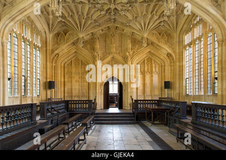 Interior of the Divinity School - built 1488, part of the current Bodleian Libraries, Oxford, Oxfordshire, England - Stock Photo