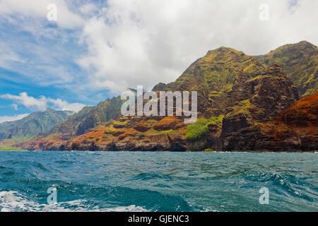 The rugged Napali Coast of Kauai, Hawaii, USA. - Stock Photo