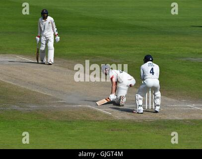 County Cricket  Lancashire v Yorkshire  Manchester  UK  16th August 2016 Tom Smith on his way to 87. as Lancashire - Stock Photo
