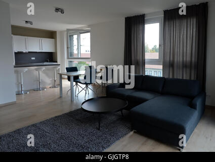 Berlin-Adlershof, Germany. 16th Aug, 2016. A 3-room apartment in the Medienfenster building, containing 153 small - Stock Photo