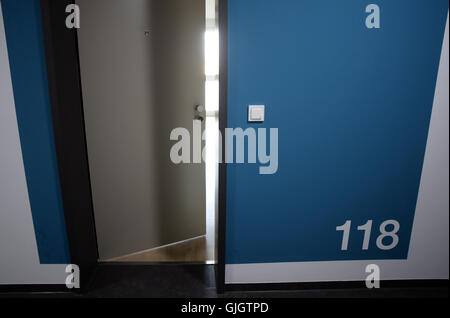 Berlin-Adlershof, Germany. 16th Aug, 2016. The door to a 1-room apartment in the Medienfenster building, containing - Stock Photo