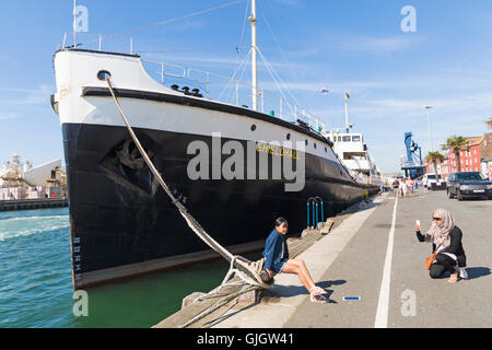Poole, Dorset, UK. 16 August 2016 UK weather: SS Shieldhall, the largest working steamship of her kind in Europe, - Stock Photo