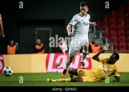 Denmark, Copenhagen, August 16th 2016. Benjamin Verbic (7) of FC Copenhagen is tackled by APOEL's Vinicius (16) - Stock Photo