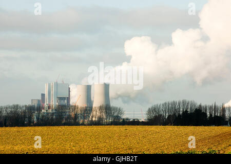 BRD, Deutschland, NRW, Rhein-Kreis Neuss, Grevenbroich, Neurath, RWE-Kraftwerk Neurath, rechts die Baustelle des - Stock Photo