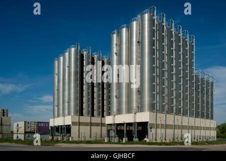 BRD, Deutschland, NRW, Wesseling, Curiestrasse, Katoen Natie Logistik GmbH, storage tanks - Stock Photo