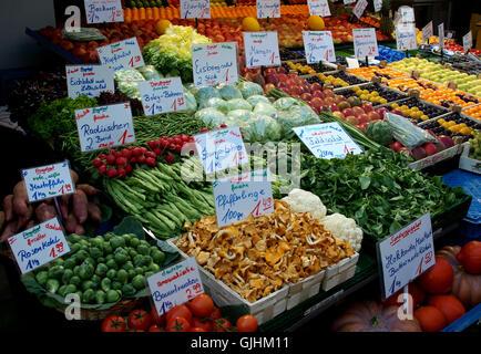 vitamins vitamines uncooked vegetarian food - Stock Photo