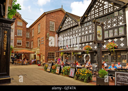 Golden Square and the Barley Mow Inn circa 1561 at Warrington town centre, Cheshire. - Stock Photo