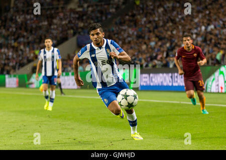 Porto, Portugal. 17th Aug, 2016. FC Porto player Corona in action during the UEFA Champions League 2016/17 play - Stock Photo