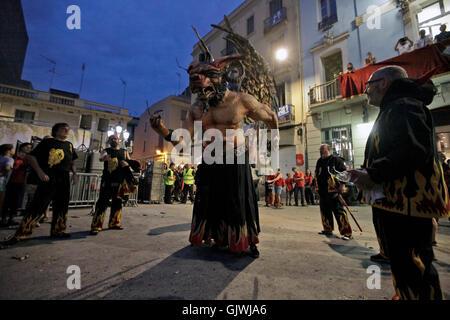 Barcelona, Spain. 17th Aug, 2016.   Festivities at the Plaça de la Vila de Gràcia during the Festa Major de Gràcia - Stock Photo