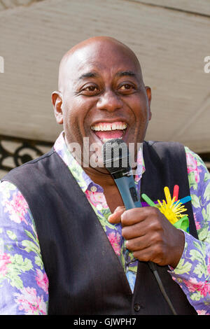 Southport , Merseyside, UK. 18th August, 2016. Ainsley Harriott opens Southport Flower Show, 18 Aug 2016: Celebrity - Stock Photo