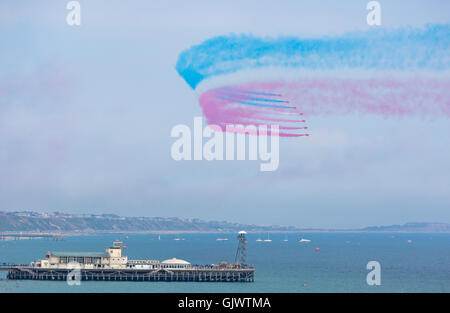 Bournemouth, Dorset, England UK. 18 August 2016. The Red Arrows on the opening day of the Bournemouth Air Festival - Stock Photo