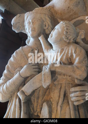 Statue of Lady Constantia de Frecheville and her illegitimate son in St Leonards Church, Scarcliffe, nr Bolsover - Stock Photo