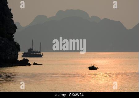 Vietnam --- Halong Bay at Sunset --- Image by © Jeremy Horner - Stock Photo