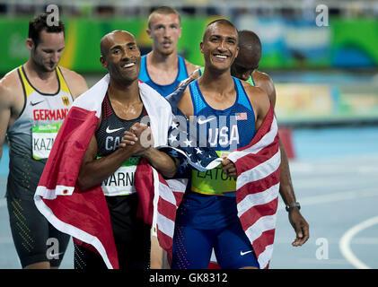 Rio de Janeiro, RJ, Brazil. 18th Aug, 2016. OLYMPICS ATHLETICS: Gold medal winner Ashton Eaton (USA) celebrates - Stock Photo