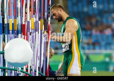 Rio de Janeiro, Brazil. 17th August, 2016. ATHLETICS RIO 2016 OLYMPICS - Rocco van Rooyen (RSA) during qualifying - Stock Photo